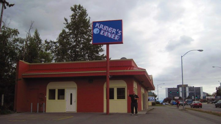 Anchorage diner defies COVID-19 orders
